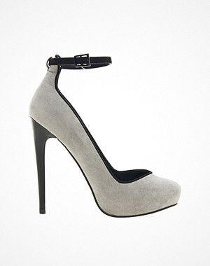 Hos ASOS kan du köpa denna PARISH High Heels från ASOS