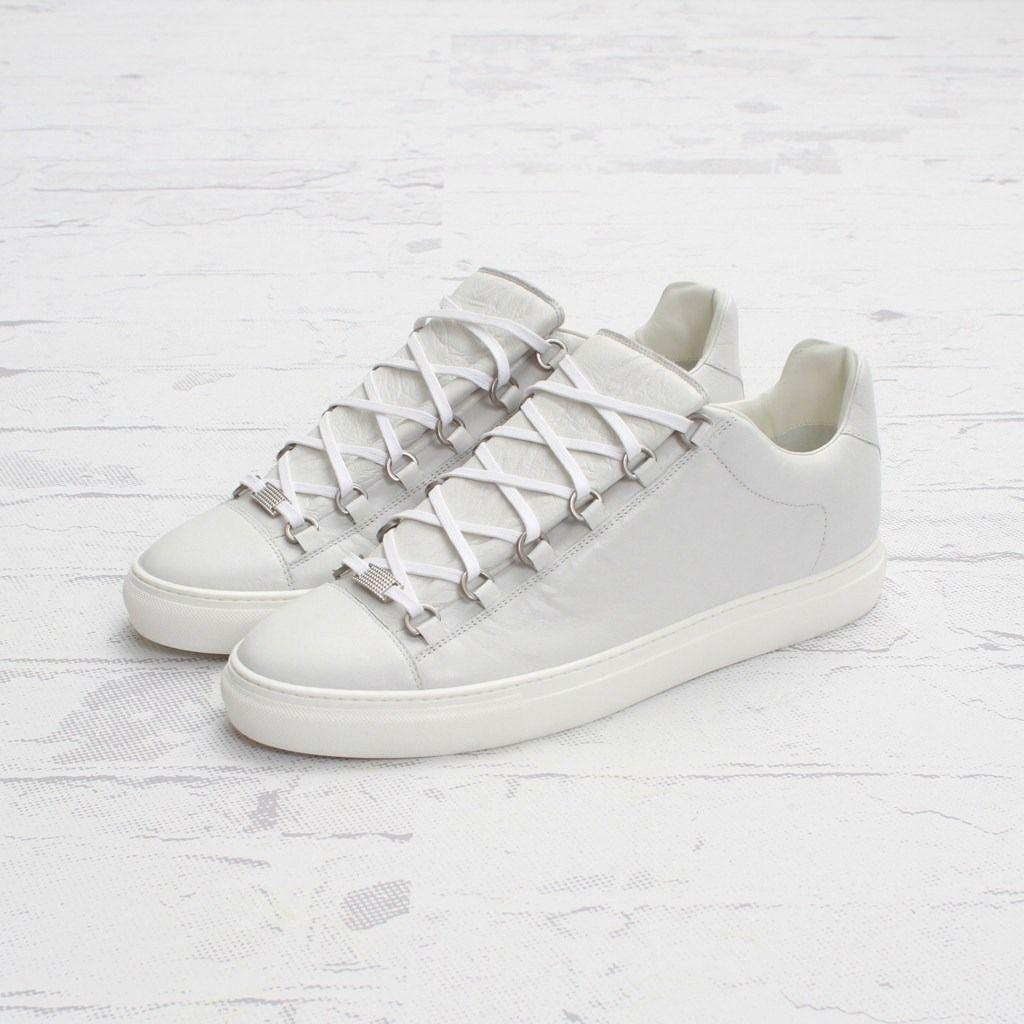 white balenciaga arena low top sneakers shoooooez pinterest balenciaga sneakers. Black Bedroom Furniture Sets. Home Design Ideas