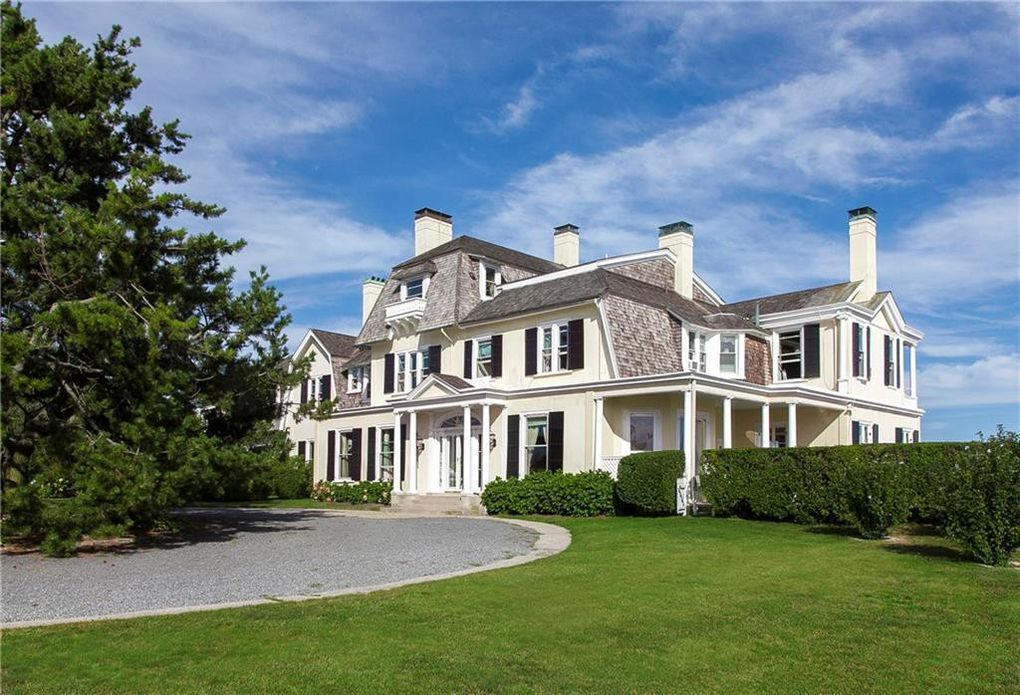 Edith Wharton S Newport Home Is For Sale Summer House Beach House Exterior House