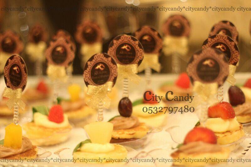 ميني بان كيك Mini Cupcakes Desserts Food
