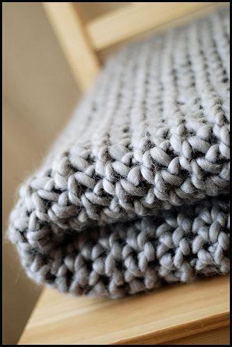 Big Chunky Knit Blanket. Pattern: http://www.classiceliteyarns.com ...