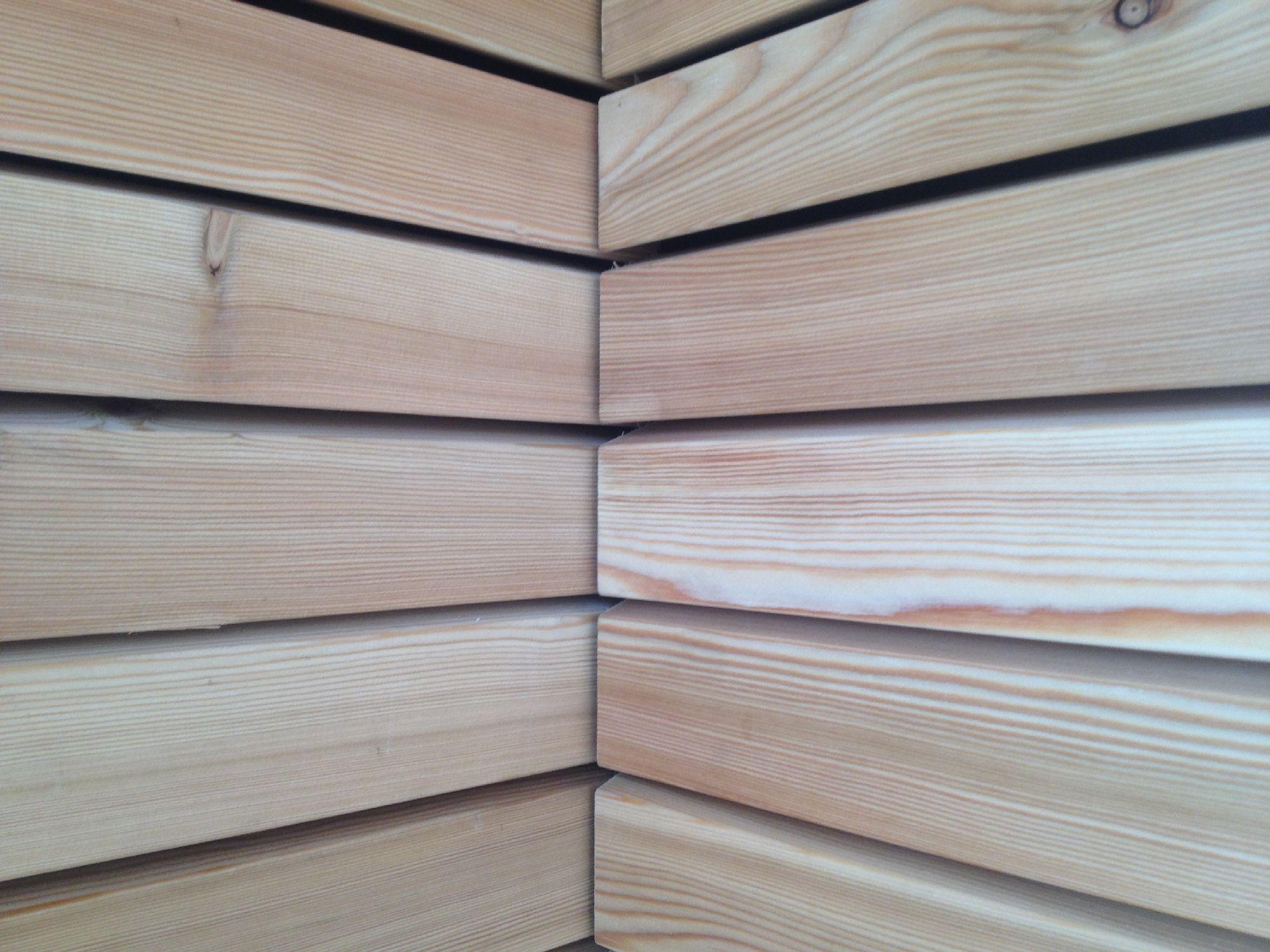 LARICE SIBERIANO - Netto nodi. Rivestimenti in legno per pareti esterne.  La materia prima ...