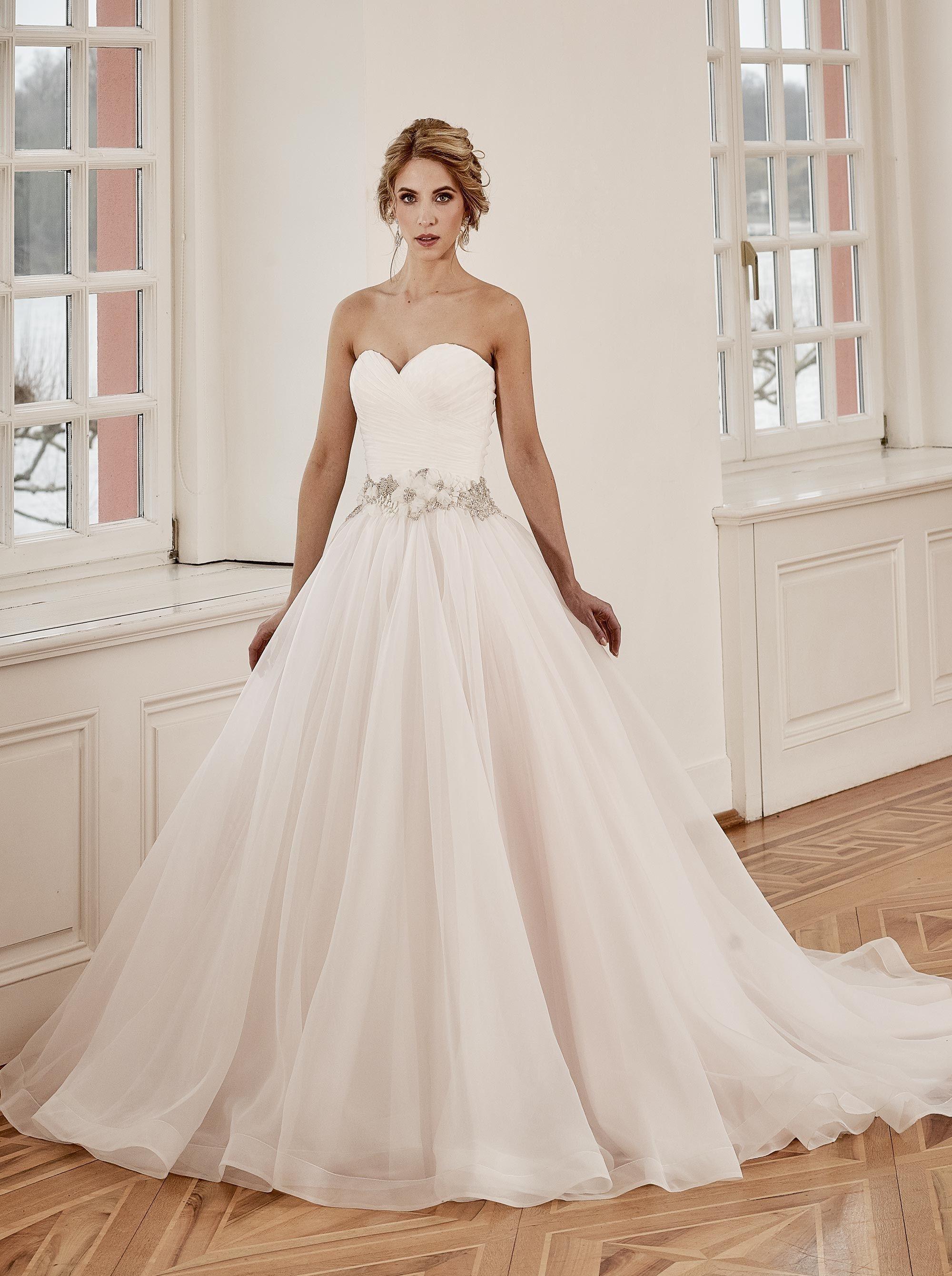 Diane Legrand 6313 | Wedding ceremony | Pinterest | Weihnachtsessen ...