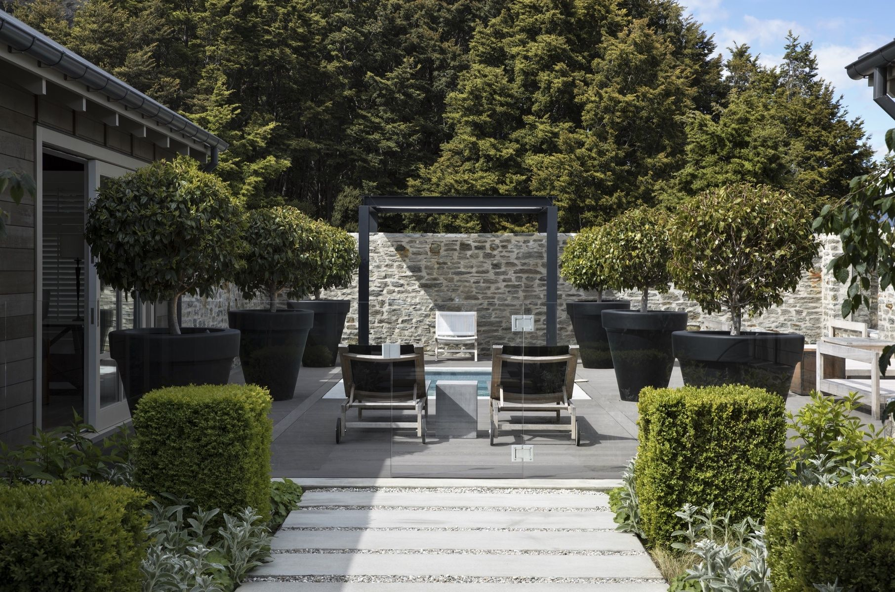 Suzanne Turley Landscapes Designer Landscape Garden Queenstown Alpine | INSIDE U21cc OUTSIDE ...