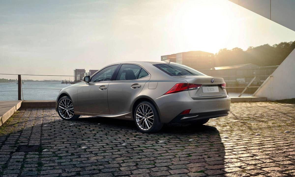 En 2020 Deberia Llegar El Nuevo Lexus Is Y Los Rumores Ya Anuncian Datos Bmw M3 Toyota Y Generacional
