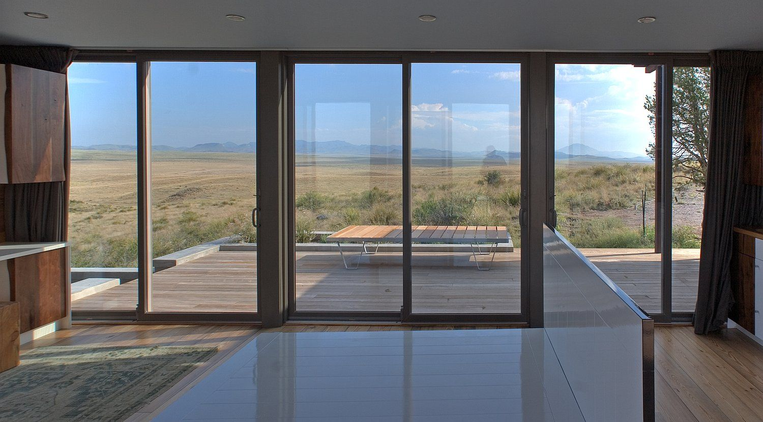 The Marfa Weehouse A Compact But Luxurious Desert Retreat The