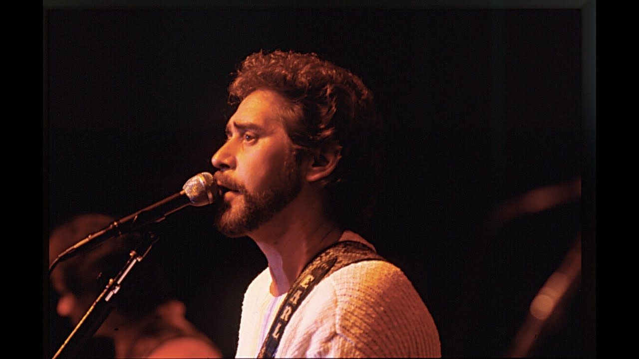 Earl Thomas Conley Holding Her Loving You Best Country Music Country Music Stars Beautiful Songs