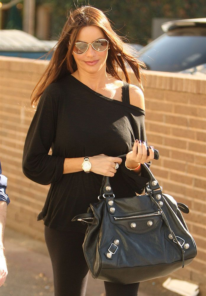 7 Celebrities and Fashion Girls With the Balenciaga City ...