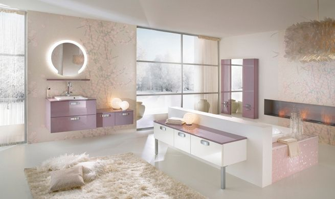 Charmant Comfortable Bathroom Decor Idea In Masculine And Feminine Styles: Stylish  Bathroom With Lavender Accents Masculine And Feminine Bathrooms