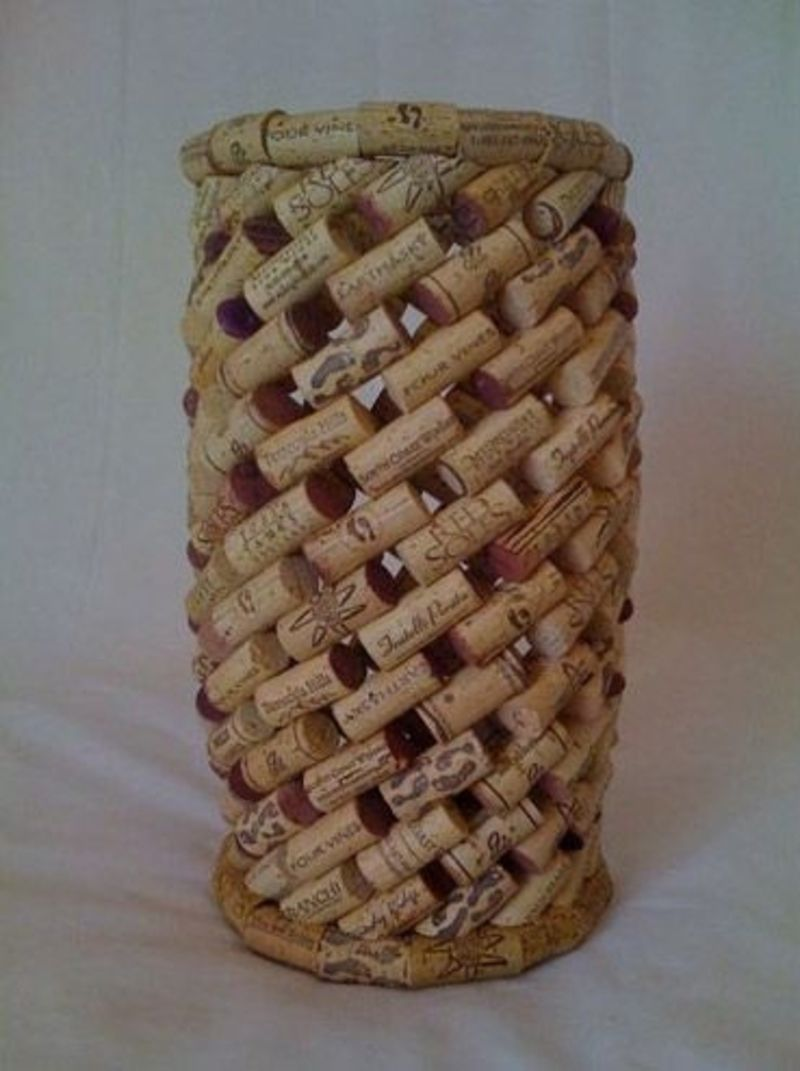 39 cork crafts that will make you wish you drank more wine for Crafts made with corks