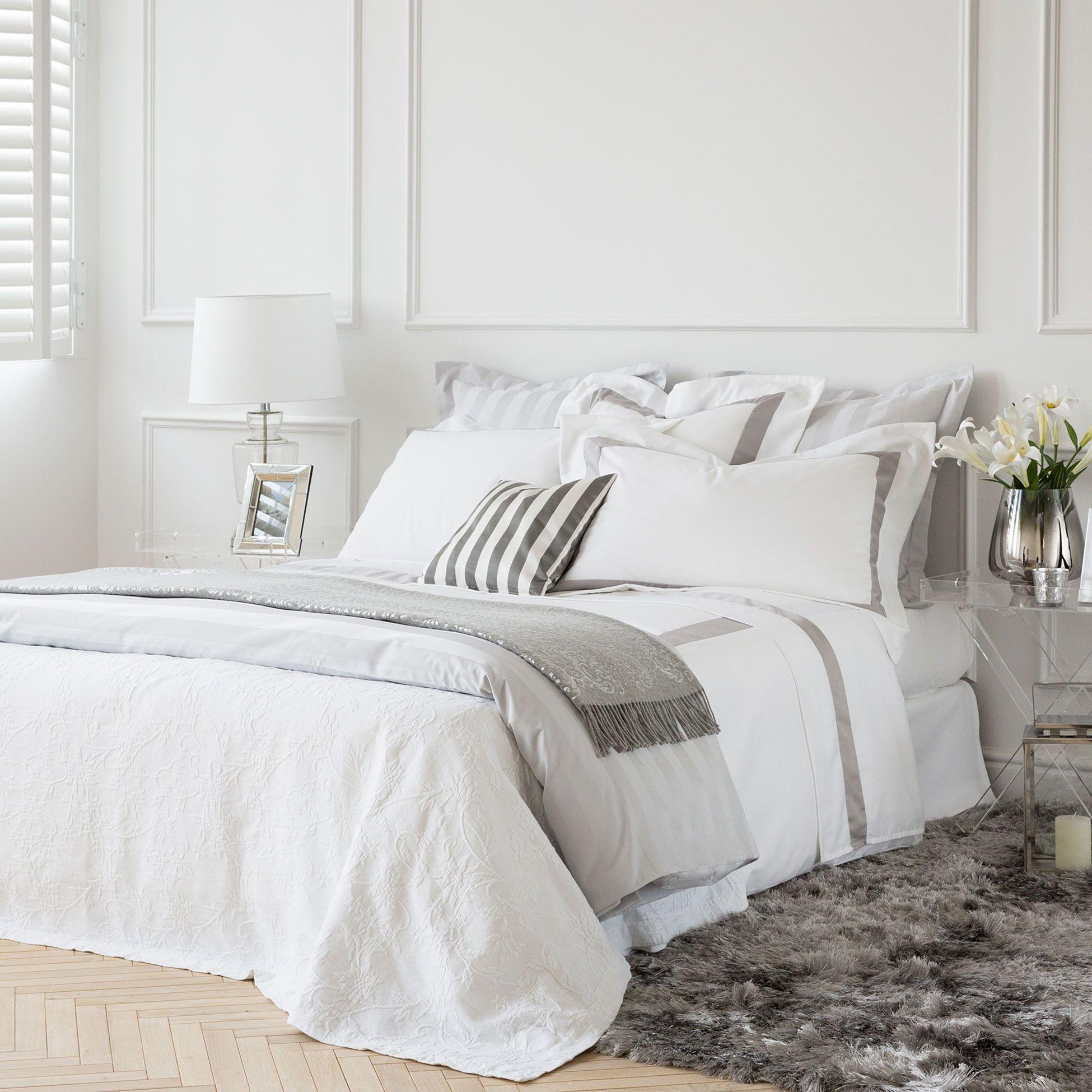 Metallic fibre bedspread and cushion cover Bedroom
