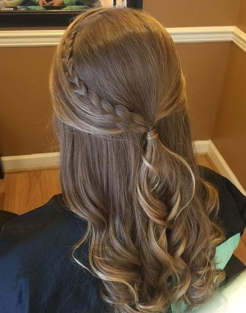 The Ultrachic Half Up Ponytail Hairiz Half Ponytail Thick Hair Styles Curly Hair Styles Naturally