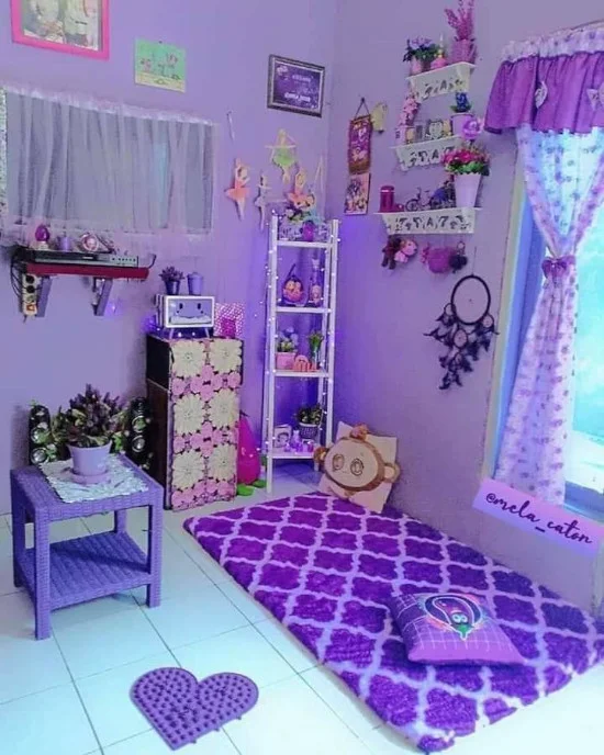 Gambar Rumah Warna Cat Ungu Di 2021 Warna Cat Rumah Ruang Keluarga Minimalis