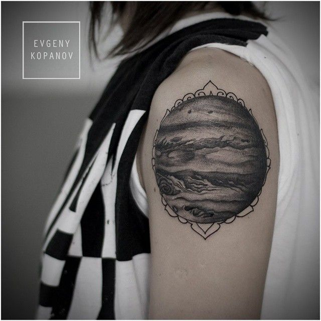 Tattoo Woman Planet: A. Space / The Solar System