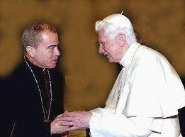 Arzobispo de San Juan con Benedicto XVI