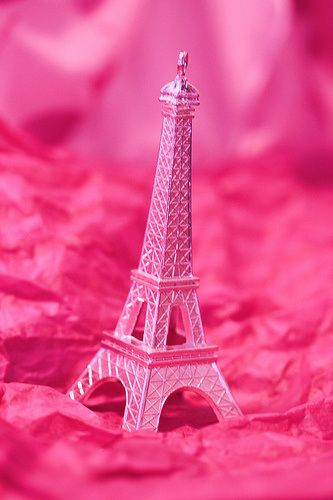 Pink Thing Of The Day Pink Eiffel Tower With Images Pink