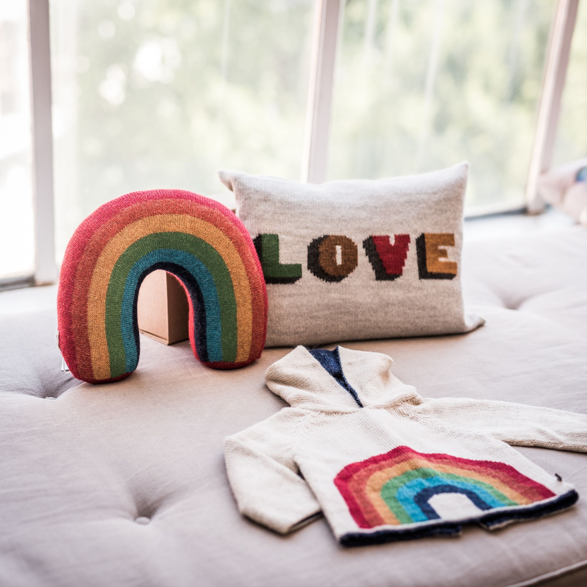 Somewhere over the rainbow... ☺️ The new Oeuf collection is simply amazing! This Autumn/Winter season we'll even have cushions made from 100% baby alpaca. Check it out! #lovewins #oeuf #oeufnyc #littlehipstar #kidsfashion #kidsdecor #kidswear #kidsclothes #rainbow #humanrights #love #cusions #babyalpaca #cozy #aw16 #beautiful #instakids #kidsstyle #kinderkleidung #kidsshopping