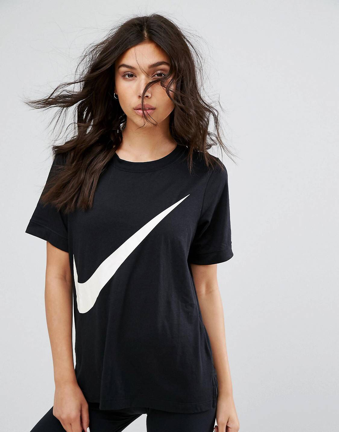 799835530 Nike swoosh t-shirt in black | ☆ let's go shopping ☆ | Active wear ...