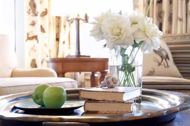 10 Tips for Coffee Table Displays: Create interesting coffee table displays