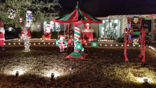 High Quality Tips For Viewing The Amazing Christmas Lights In Interlochen, An Upscale  Neighborhood In Arlington,