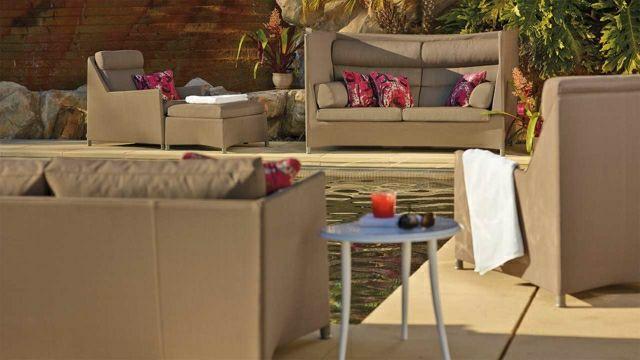 Sofa im Garten -42 Gestaltungsideen für gemütliche Sitzecken im ...