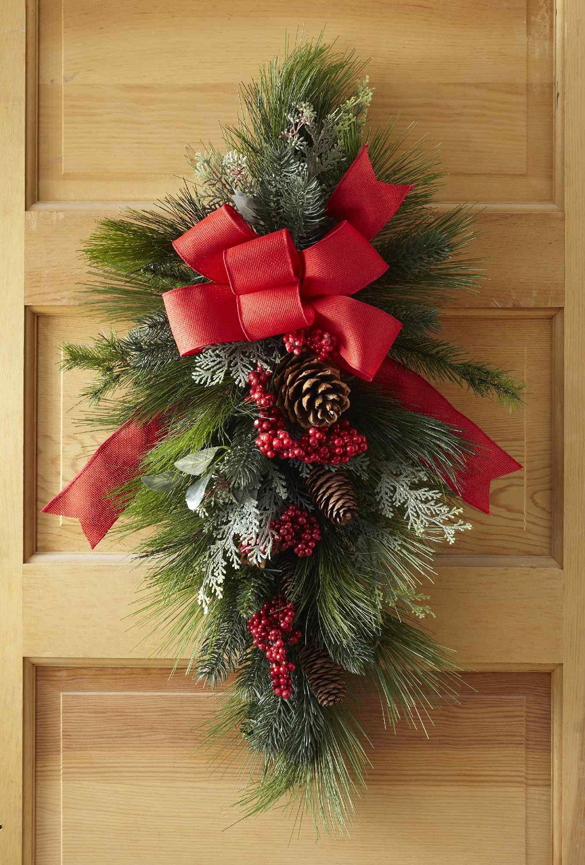 Make Your Own Christmas Swag Wreath In Just 30 Minutes