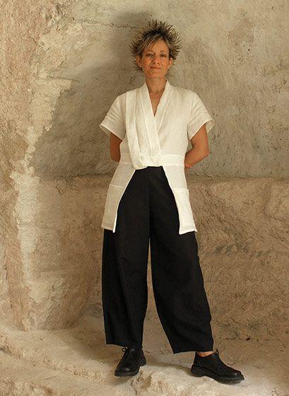 pantalon noir large en lin et saharienne blanche mode. Black Bedroom Furniture Sets. Home Design Ideas