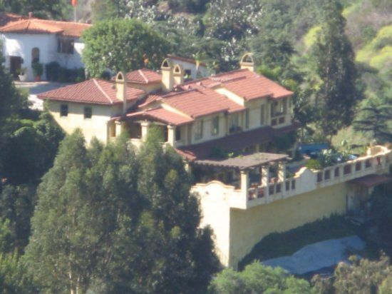 Jack Nicholson S Home In Beverly Hills California Celebrity Houses Celebrity Mansions Hollywood Homes