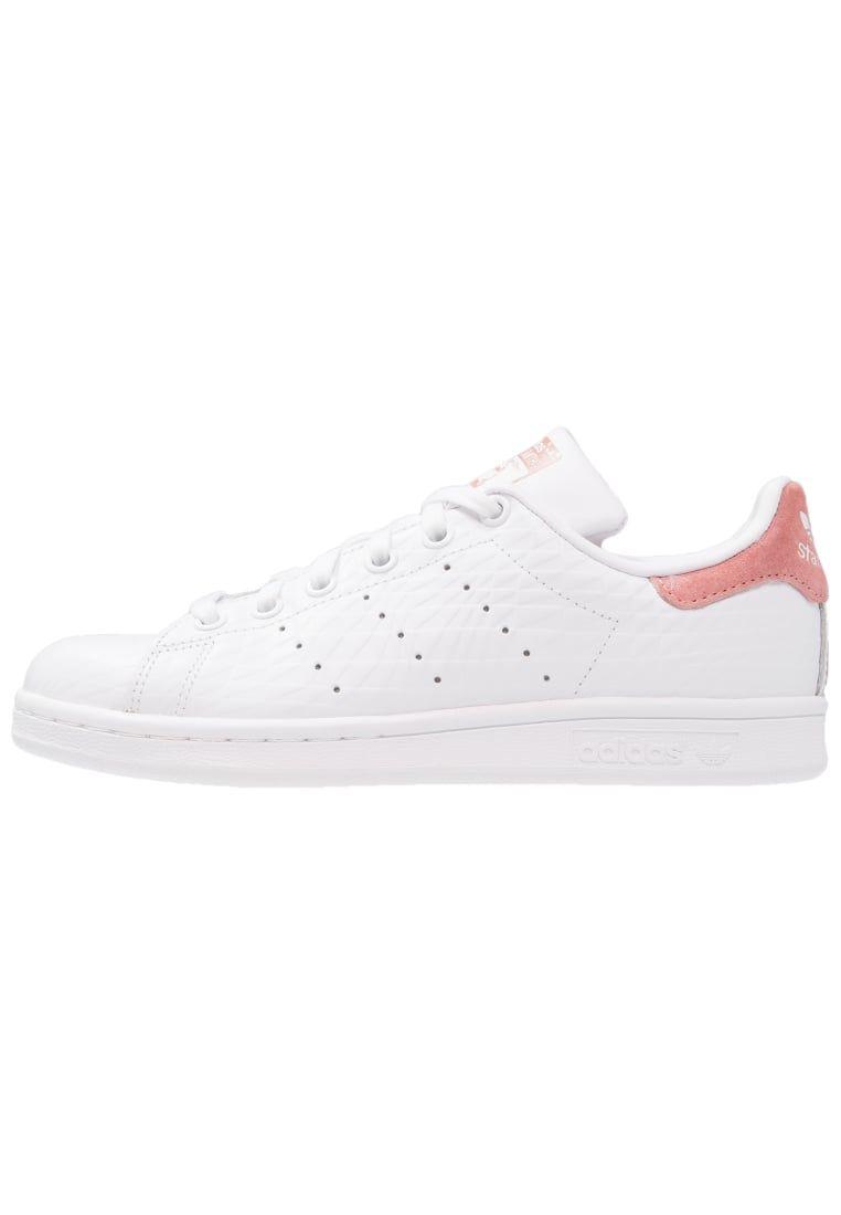 3fb79346979 ¡Consigue este tipo de deportivas de Adidas Originals ahora! Haz clic para  ver los