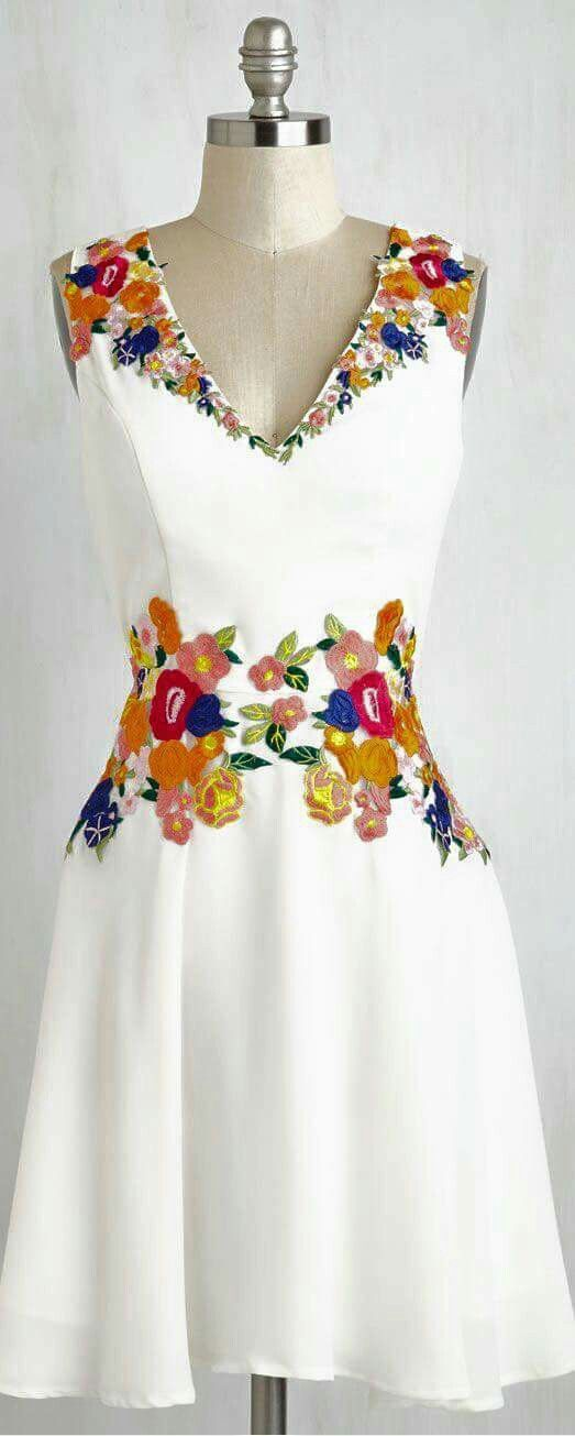 58ebc449f Resultado de imagen para bordado ropa | moda | Vestidos mexicanos ...