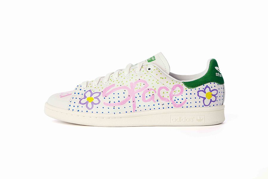 on sale a29fc 6ed25 adidas Stan Smiths customisées par Pharrell Williams   colette   shoes    Pinterest   Stan Smith et Maisie williams