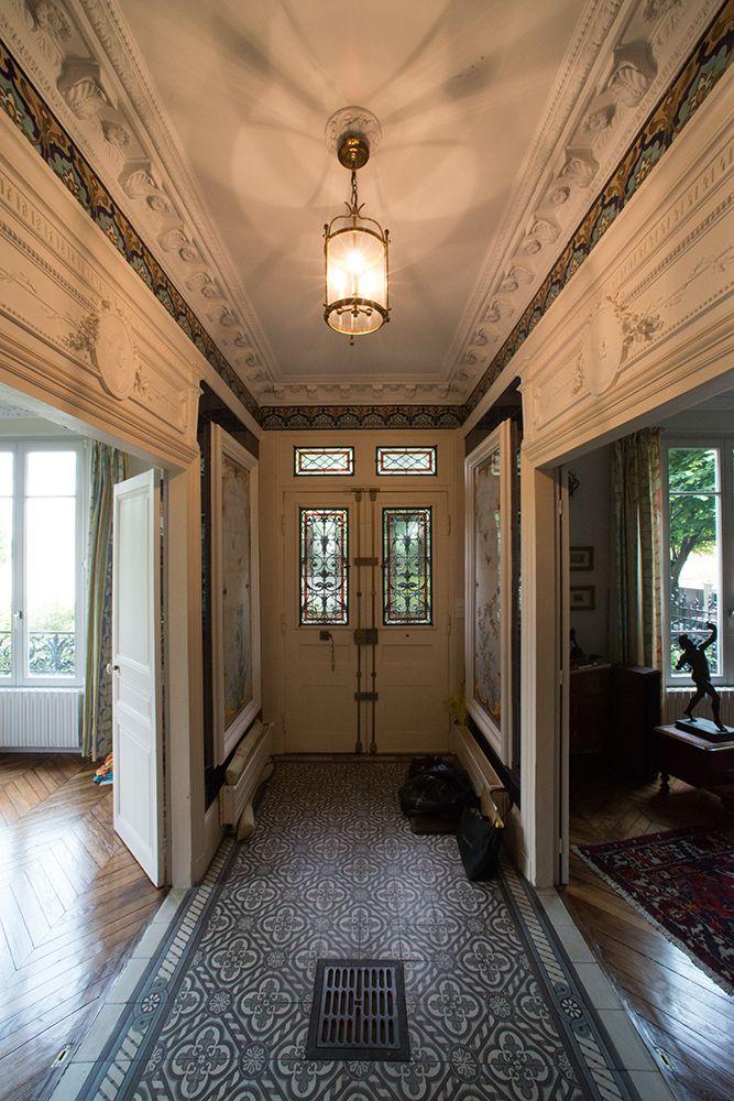 Lu0027entrée après la restauration Rénovation maison Ile de France