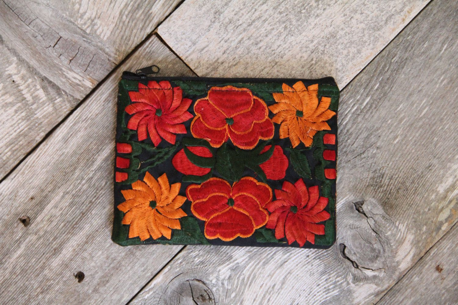 Vintage Floral Embrodery Coin Purse.