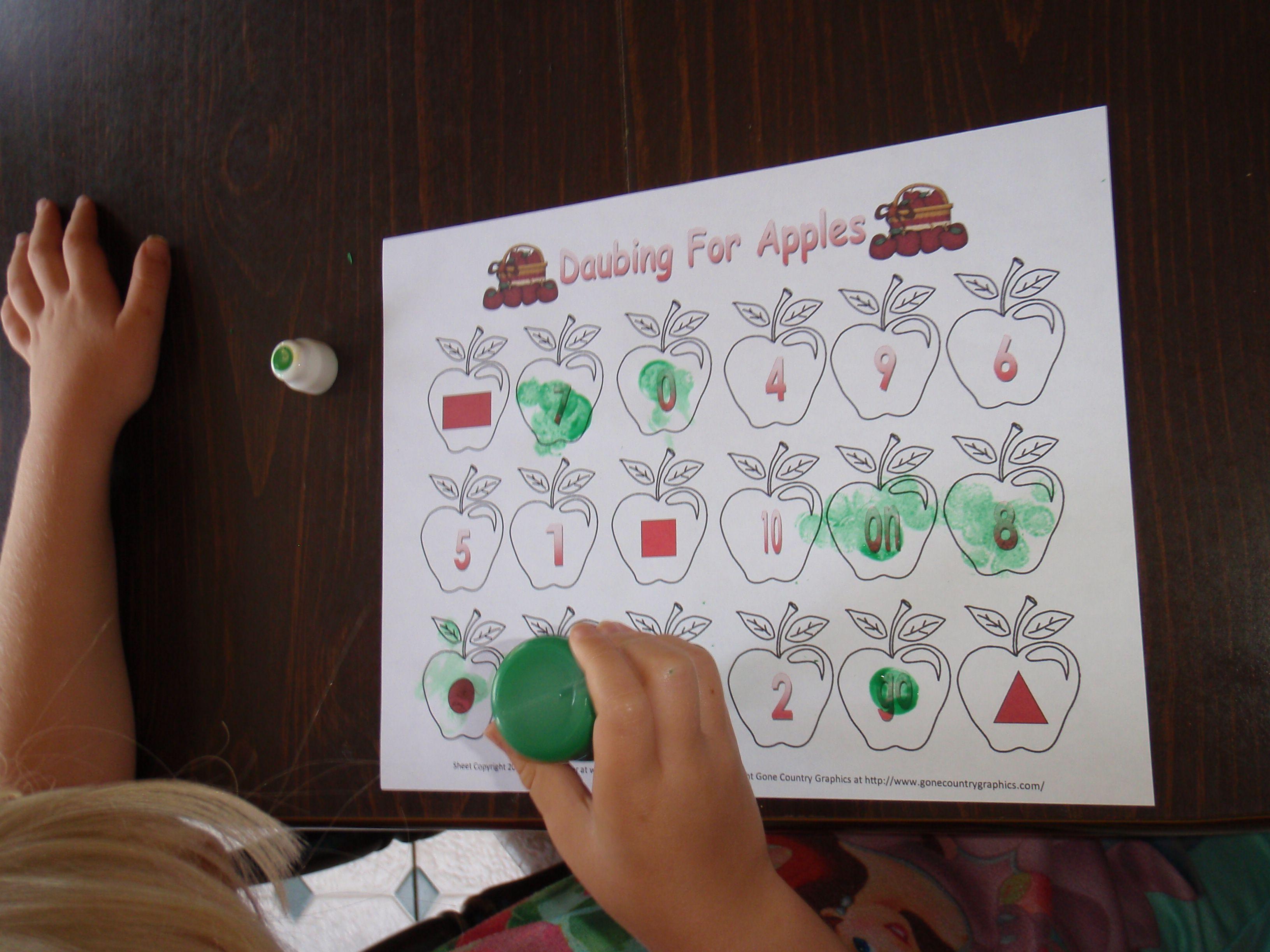 Daubing For Apples