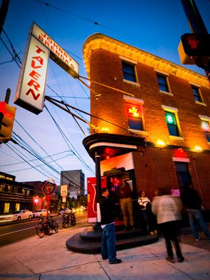 Head To Johnny Brenda S In Fishtown For A Kenzinger Clambake Featuring Fresh Seafood And Local Beer This Saturday August 10 Visit Philadelphia Fishtown Philadelphia Philadelphia Neighborhoods