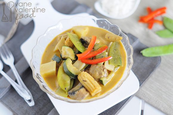 Easy vegetarian thai yellow curry food i will never actually make food easy vegetarian thai yellow curry forumfinder Image collections