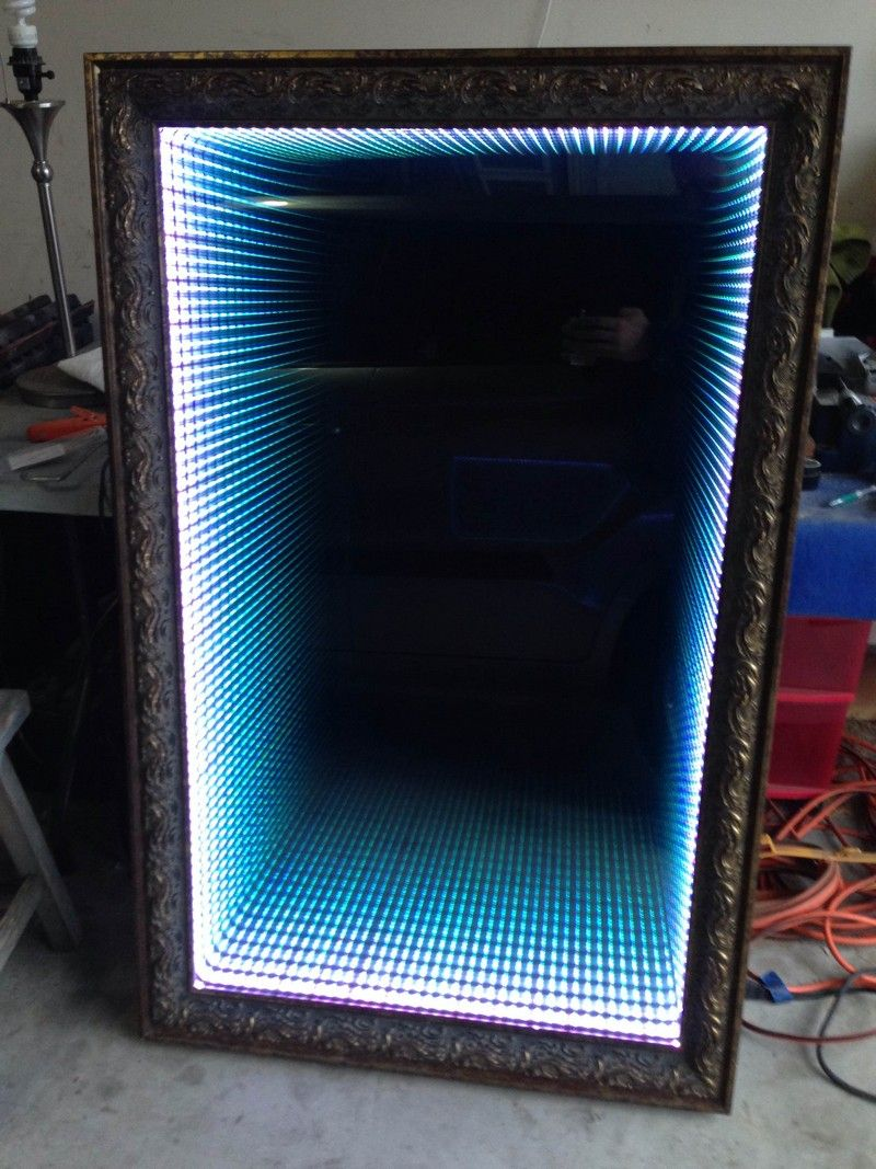 how to make an infinity led mirror great buys miroir infini miroir led deco led. Black Bedroom Furniture Sets. Home Design Ideas