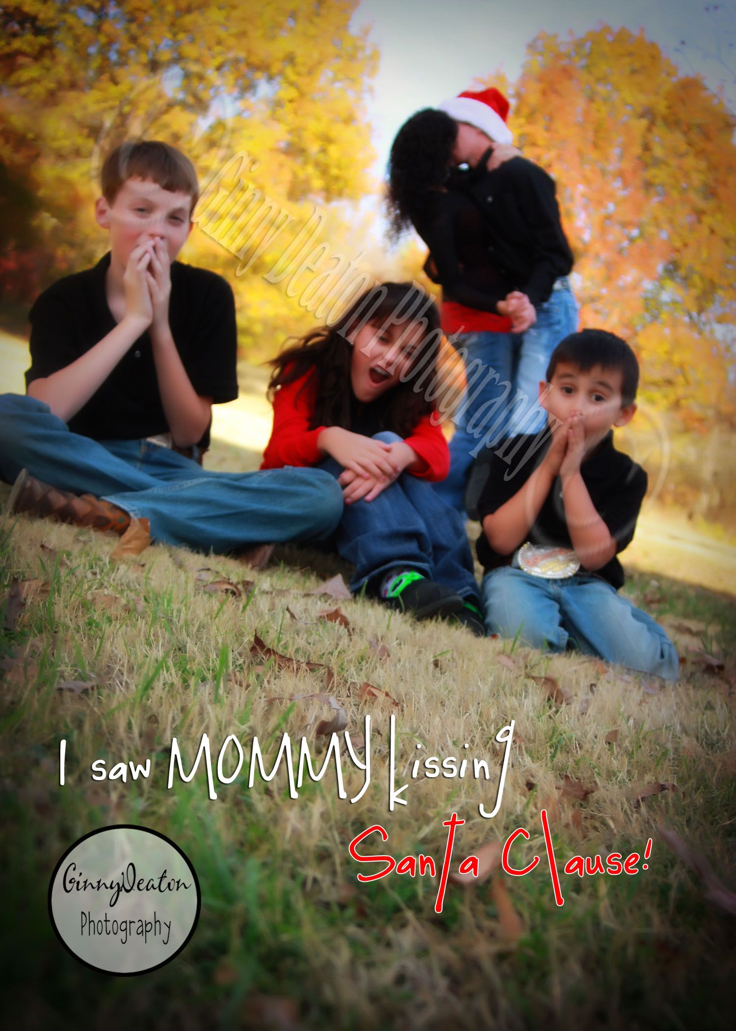 Cute Christmas Family Outdoor Photo: I saw Mommy kissing Santa Claus!