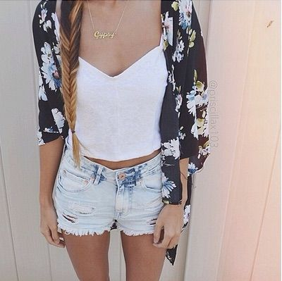 Image via We Heart It https://weheartit.com/entry/122209070/via/22958484 #amazing #beautiful #braid #clothes #cute #fashion #fishtail #floral #girl #highwaistedshorts #hipster #kimono #love #outfit #style #tanktop #vintage #laidback #cuteoutfit