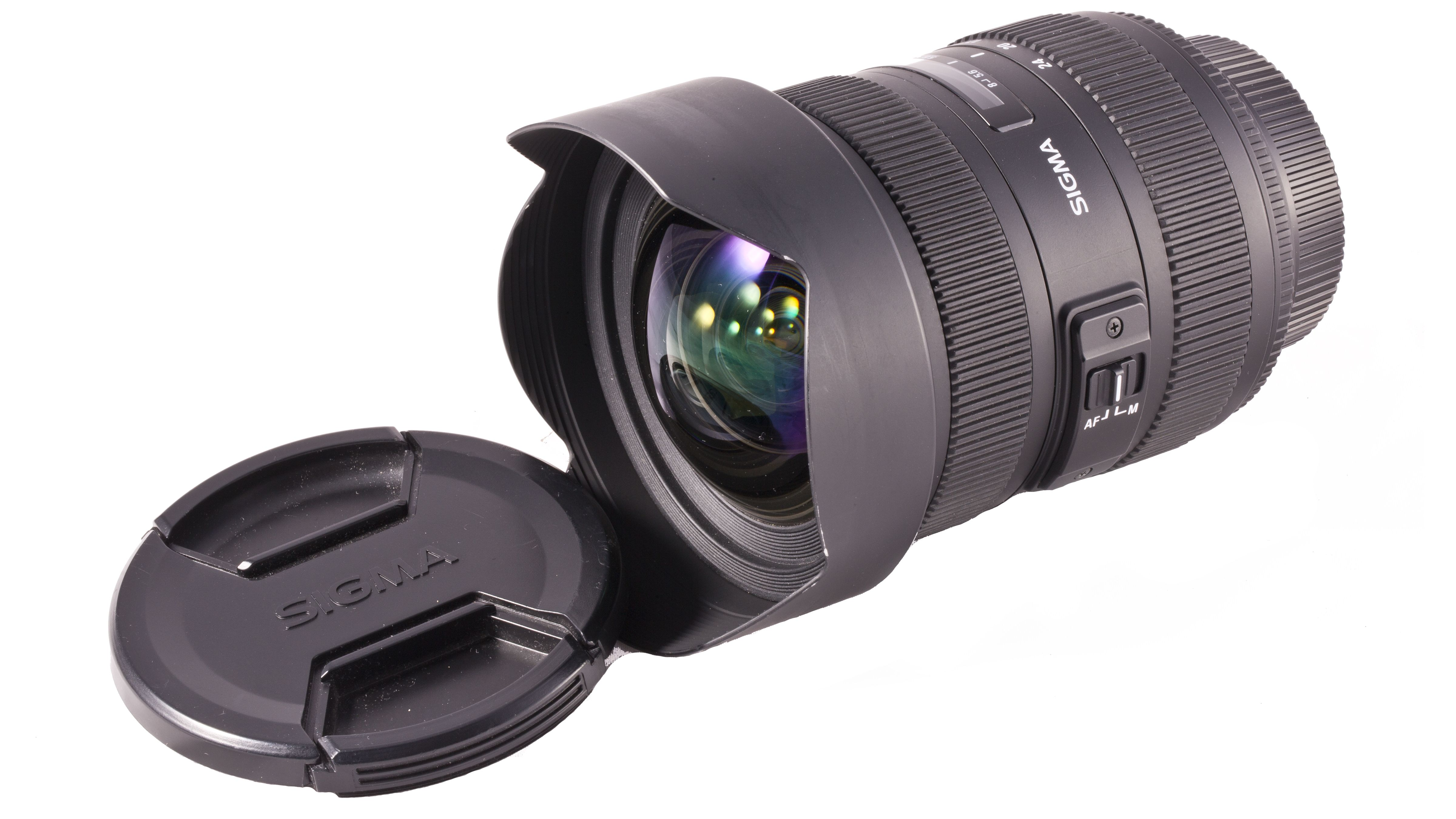 Available to hire from Lenslocker from £25.99 for a 3 day hire. This ultra wide angle zoom lens incorporates the latest optical design, superior peripheral brightness and provides sharp and high contrast images even at the maximum apertures.