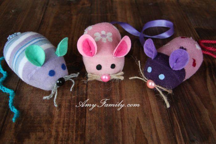 DIY 20 Cute & Adorable Socks Crafts | Home Designing #mousecrafts
