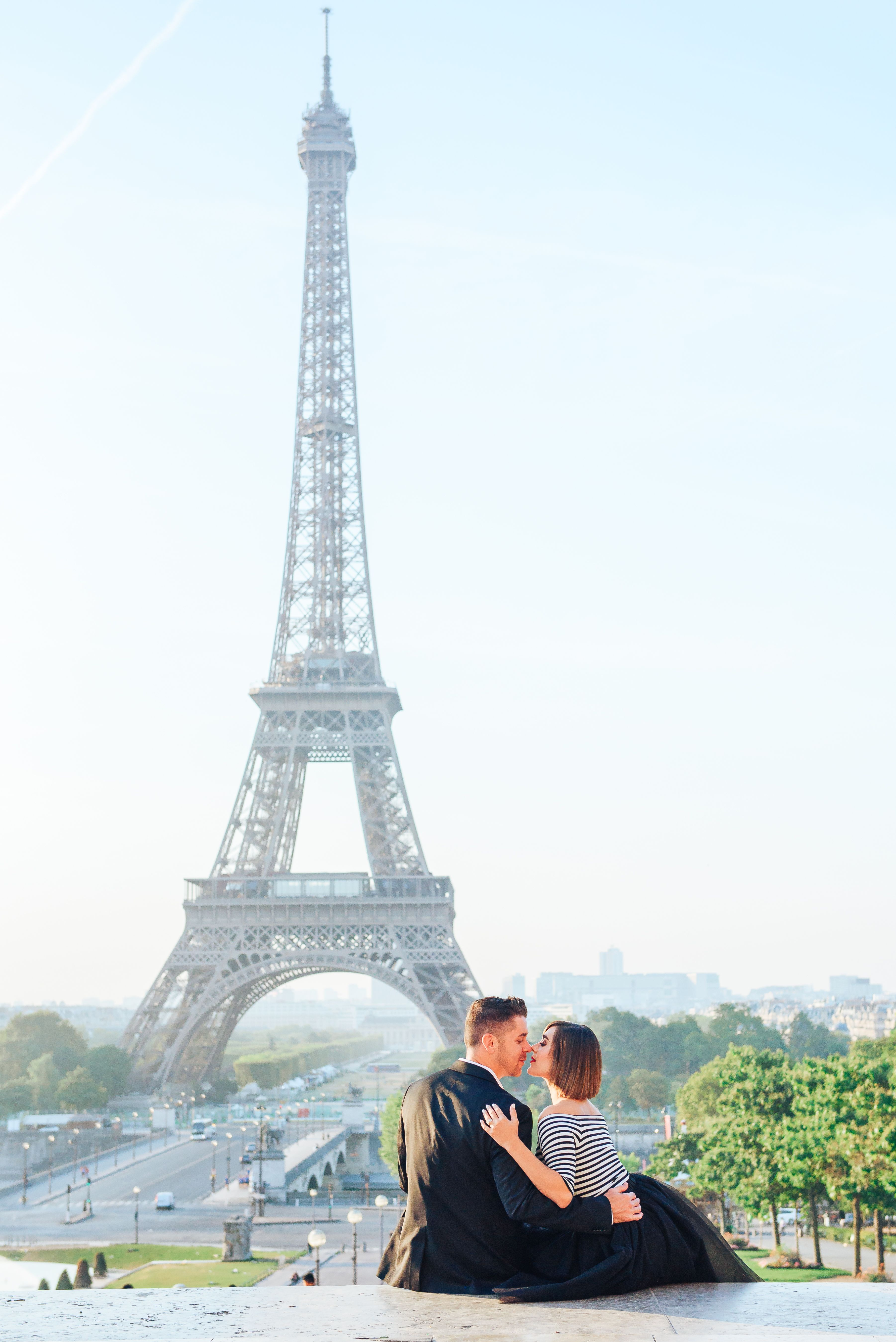 Photo Of Couple In Paris At Trocadero Square Stairs Engagement Photo Session In Paris With Eiffel Tower Pho Paris Engagement Photos Paris Couple Paris Photos