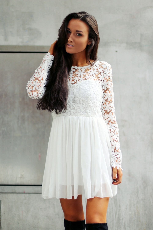 Köp New Daisy Dress hos D.M. Retro  1914ec603678a