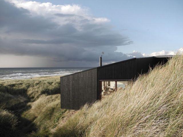åpent hus: Dansk hytte ved havet / Danish modern by the sea