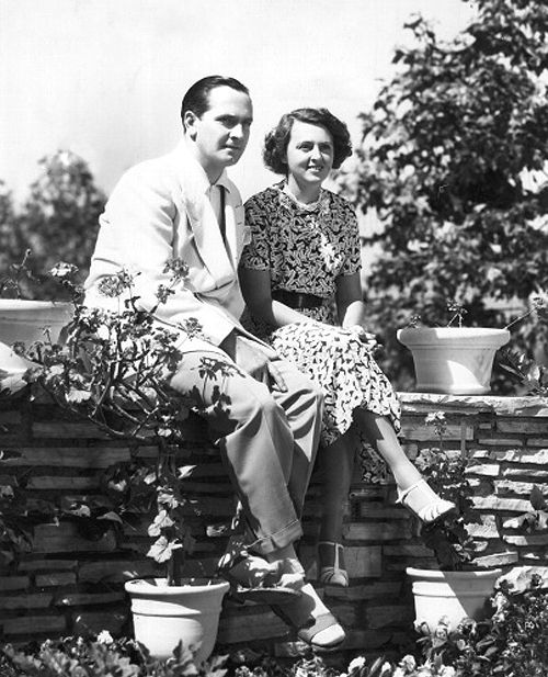 Fredric March and Florence Eldridge at home, 1938