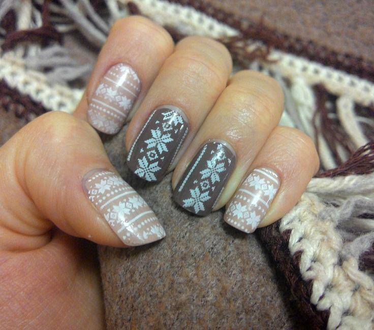 Lesly Stamping Nail Art - http://yournailart.com/lesly-stamping-nail-art/