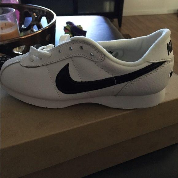 Cheerleading shoes, Cheer shoes, Nike