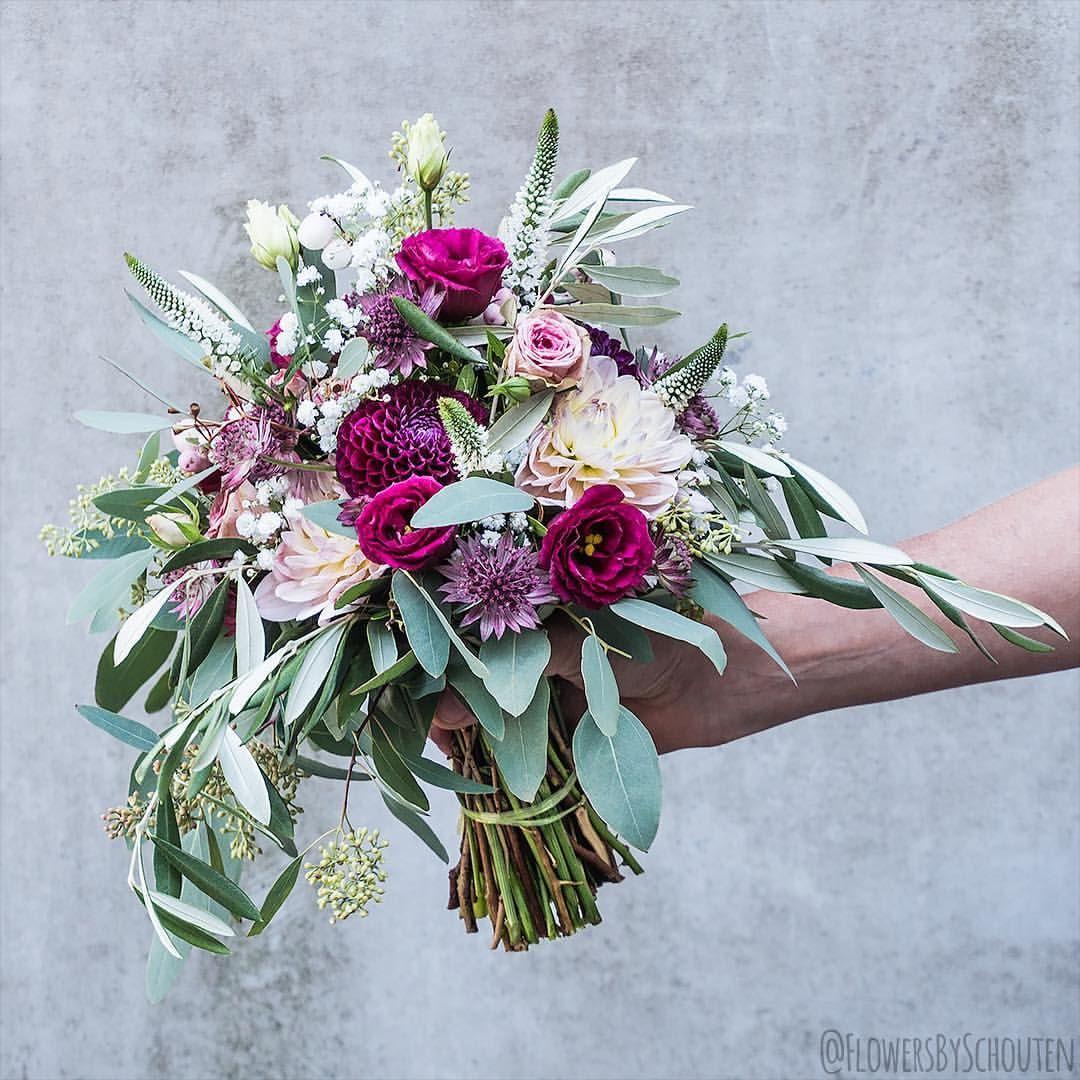 One More Wedding Bouquet From Last Weekend Floweroftheday Flowersofinstagram Photooftheday Love We Wedding Bouquets Wedding Floral Wreath