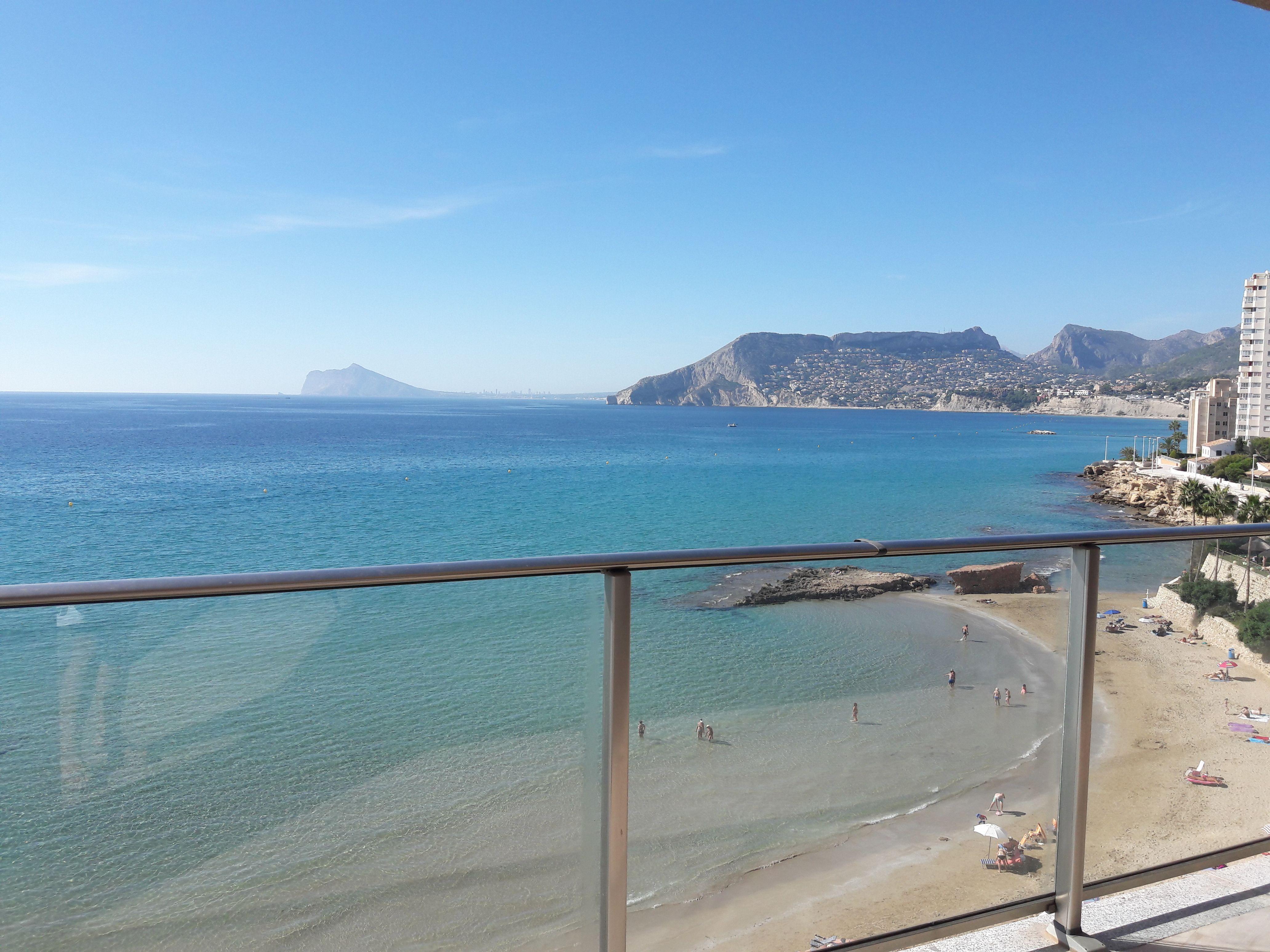 Te Gustaría Disfrutar De Estas Vistas Calpe Es El Lugar Perfecto Vienes Te Ofrecemos Apartamentos En Primera Líne Inmobiliaria Locales Comerciales Playa