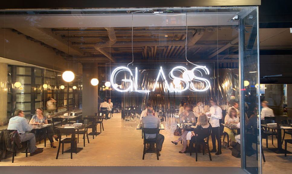 Glass In Berlin Das Neue Restaurant Mit Gourmet Kuche Food Berlin Berlin Berlin City Berlin Food
